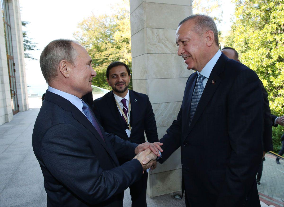 Erdoğan Putin görüşmesinde samimi görüntüler bu detay dikkat çekti