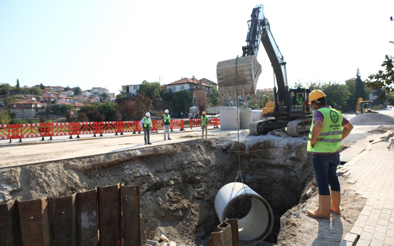 Denizli'de 95 milyon TL'lik alt yapı yatırımına vatandaşlardan tam destek