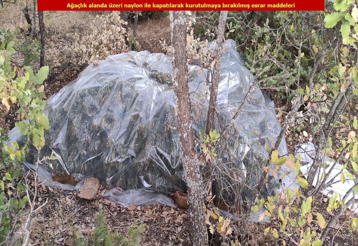 """Diyarbakır'da terör örgütü PKK'ya büyük """"uyuşturucu"""" darbesi! 4 ton esrar ele geçirildi"""