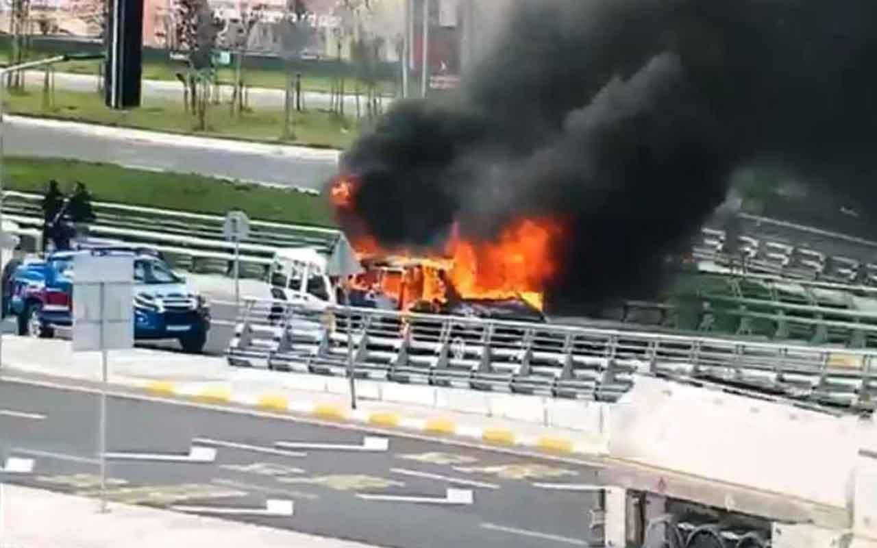 İstanbul Havalimanı'nda seyir halindeki VIP araç alev topuna döndü