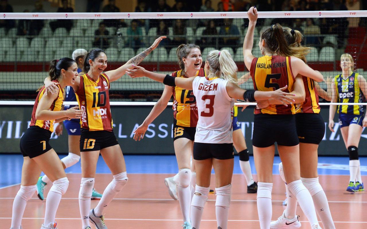 Galatasaray derbide Fenerbahçe'yi devirdi