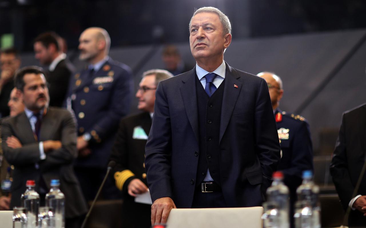 Milli Savunma bakanı Hulusi Akar NATO'ya kapak attı! Asker selamı çaktı