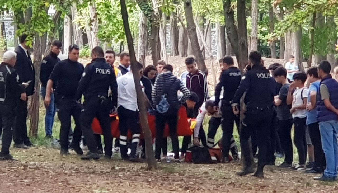 İstanbul Bakırköy'de öğrenciler arasında bıçaklı kavga 2 yaralı