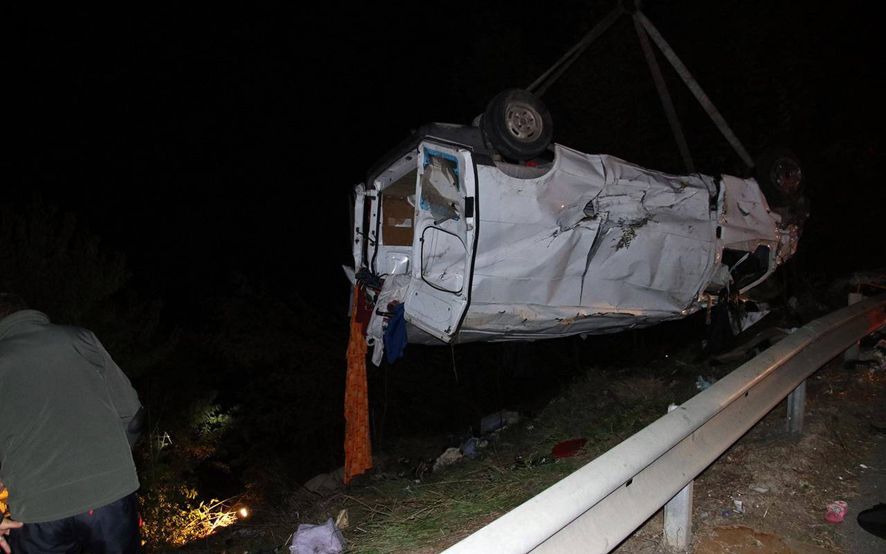 Düzce'de kaza yapan sürücü şoka girdi
