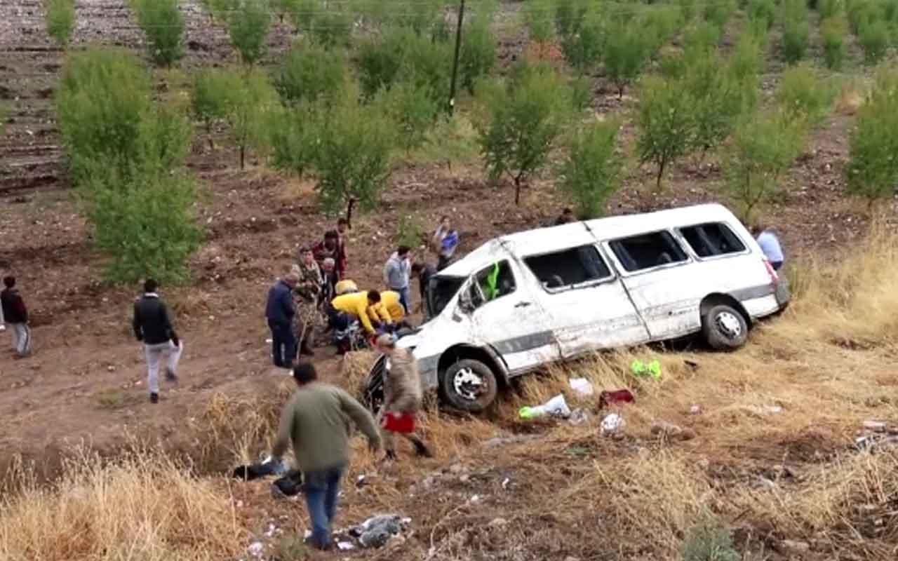Adıyaman'da yolcu minibüsü devrildi: 13 yaralı