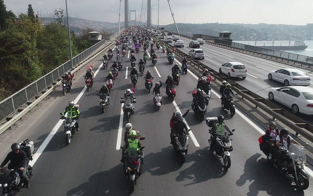 Cumhuriyet Bayramı konvoyu! 15 Temmuz Köprüsü'nde motosiklet şov