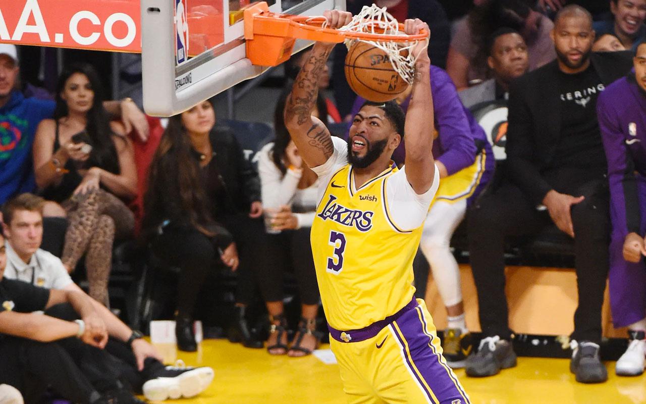 Anthony Davis 40 sayı attı Lakers farka koştu