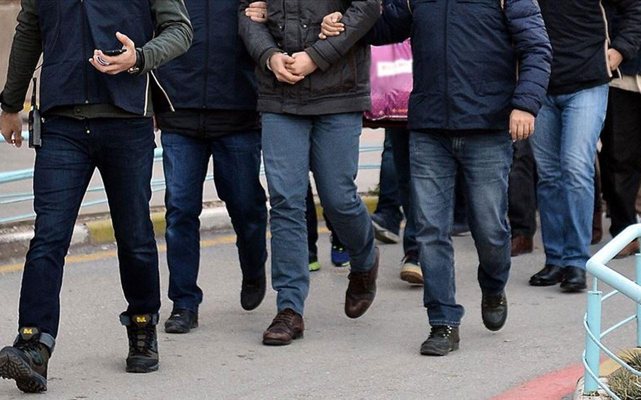 İzmir merkezli iki ilde FETÖ operasyonu