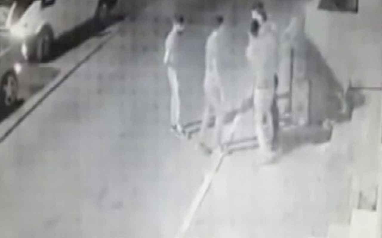 İstanbul'da dehşet saçan gaspçılar kameralara böyle yansıdı