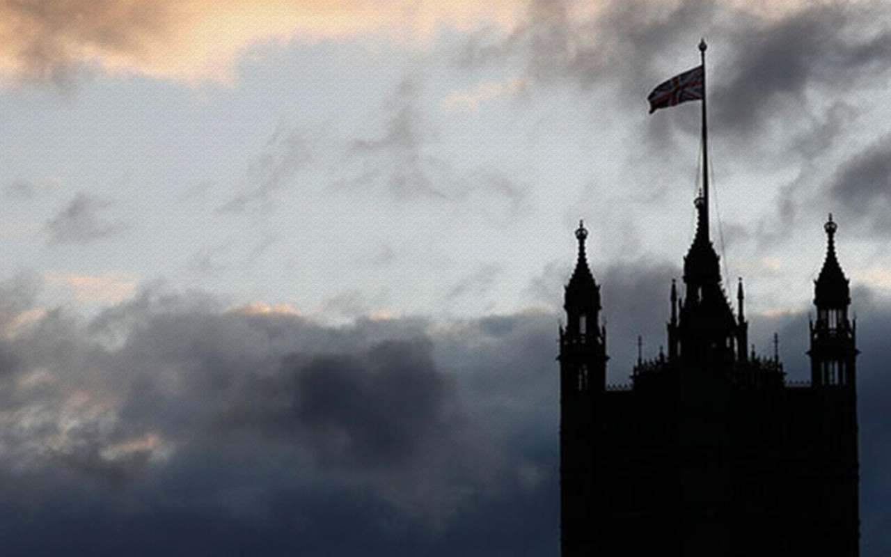 İngiltere'de Hohnson hükümeti gerçekleri saklamakla suçlanıyor