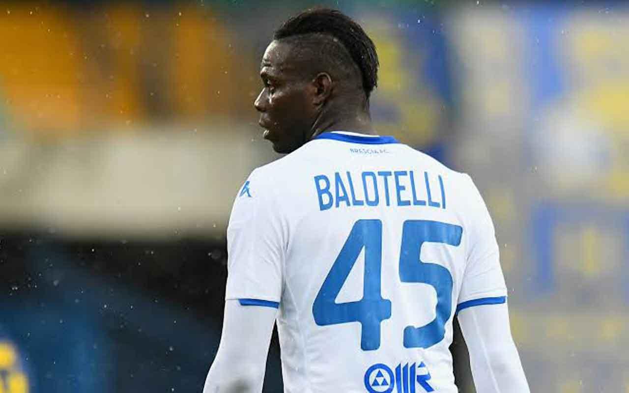 Roma'dan Balotelli'ye destek