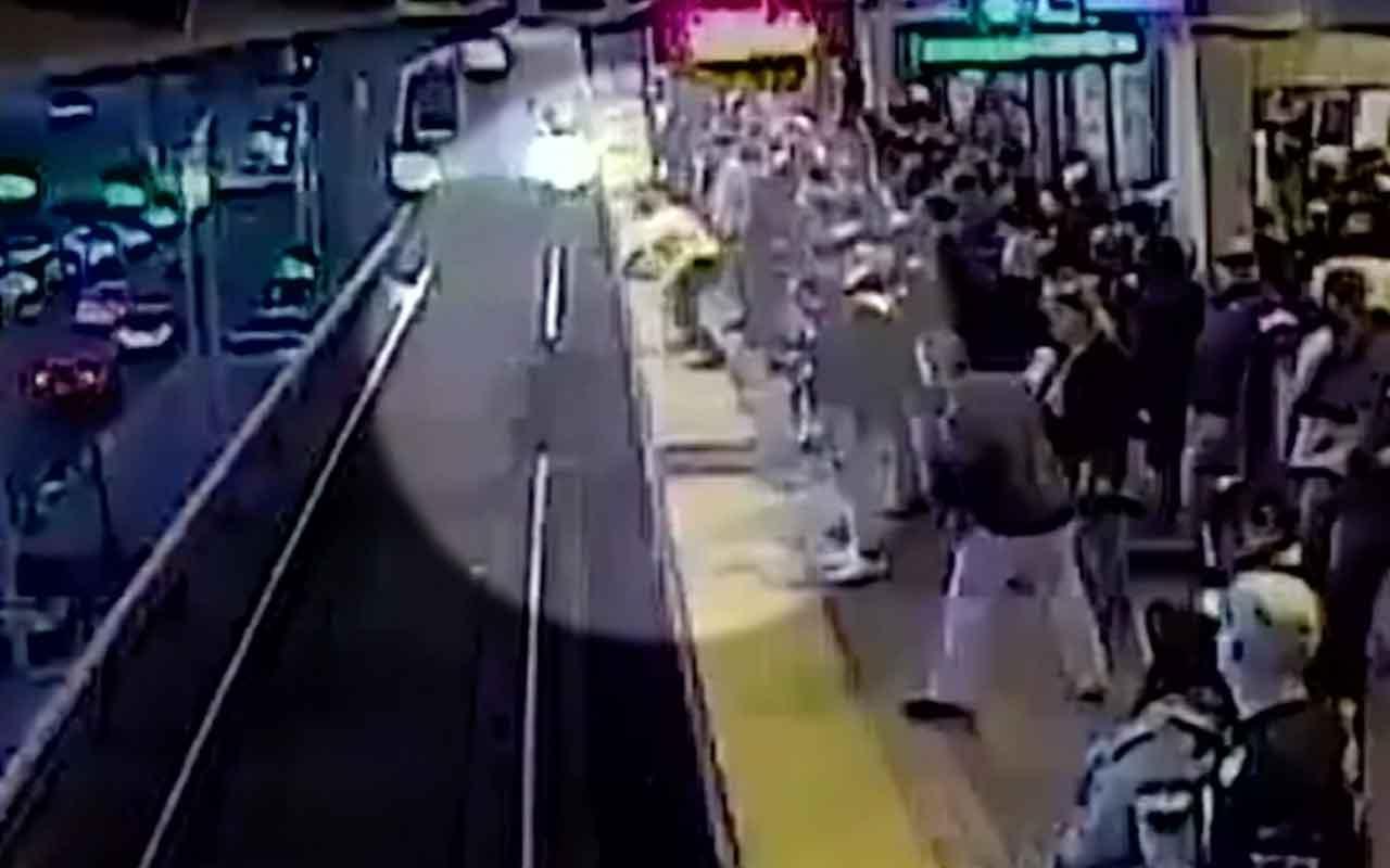 Tren gelirken raylara düşen adamı son saniyede kurtardı