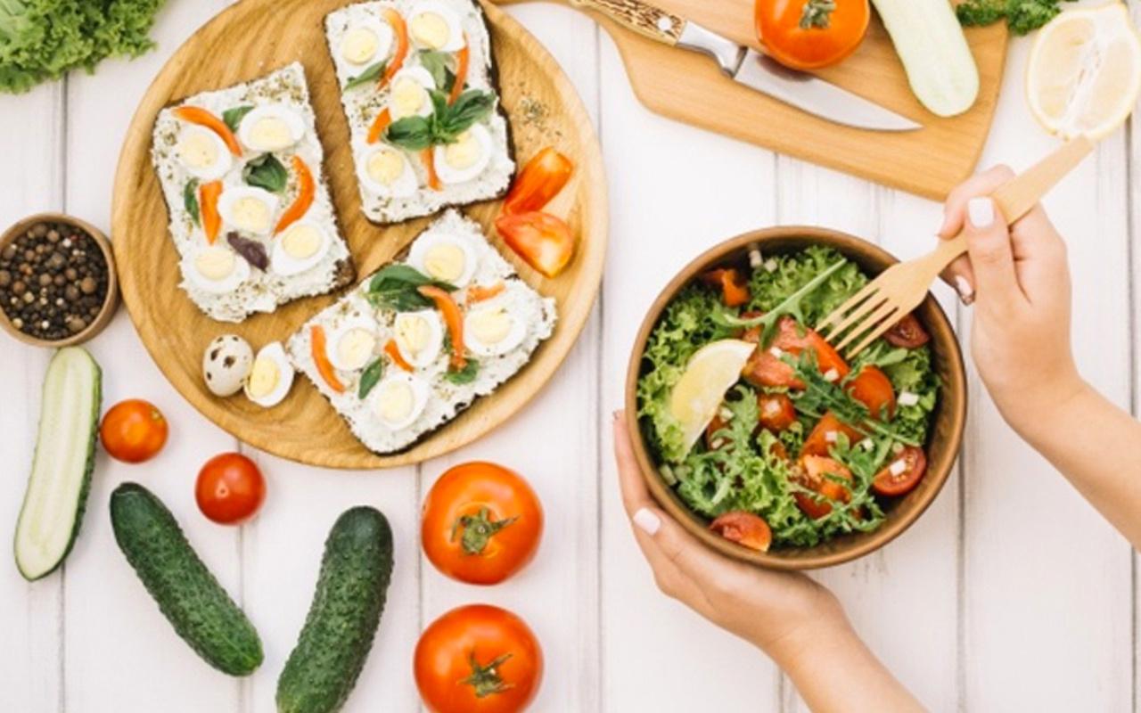 Diyet yapanlar için pratik ve lezzetli 3 salata tarifi