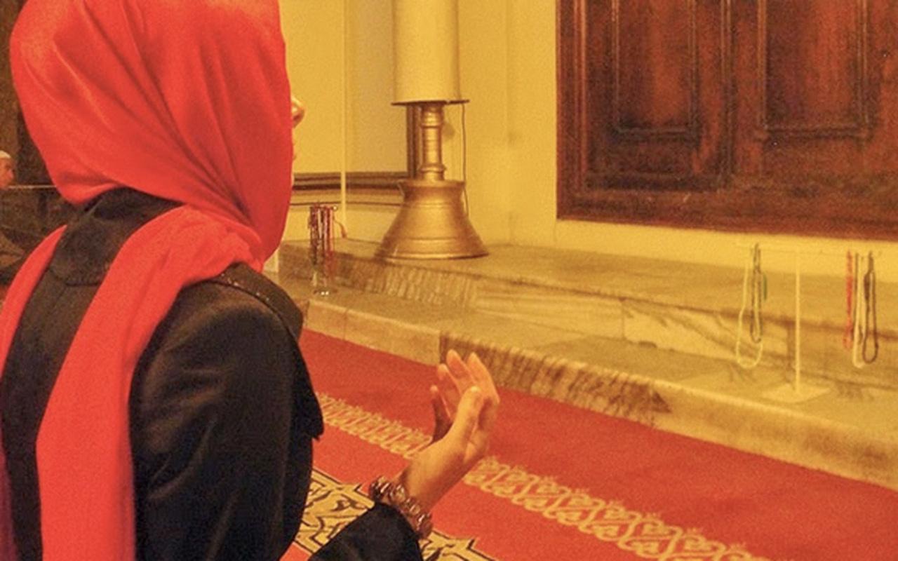 Adetliyken okunacak dualar Mevlid Kandili'nde çekilecek tesbih ve zikirler