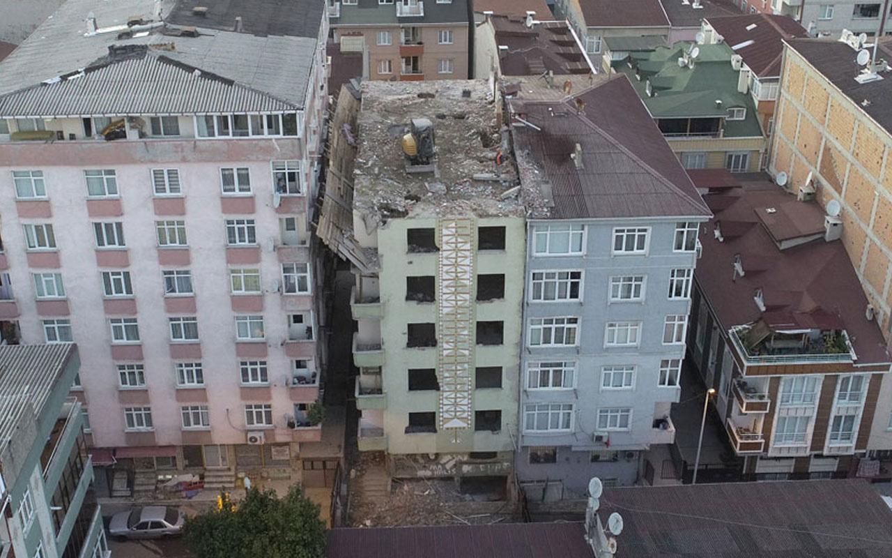 5.8'lik depremde hasar gören binanın yıkım şekli görenleri şaşırttı