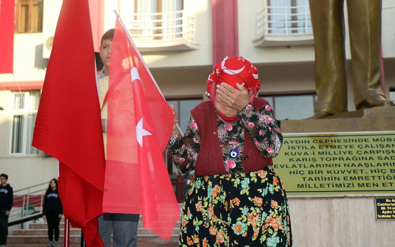Türkiye'de saat 09.05'te hayat durdu Atatürk için saygı duruşunda bulunuldu