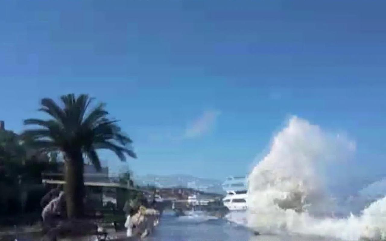 Büyükada'da dalgalar öyle bir kıyıya vurdu ki! Herkes tsunami sandı