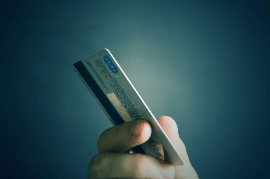 Kredi kartı yıllık aidatı ödemek zorunda değilsiniz! İşte kurtulmanın yolları;