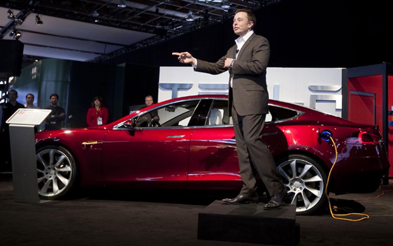 Tesla'nın CEO'su Elon Musk yeni fabrikasını Berlin'e kuracak