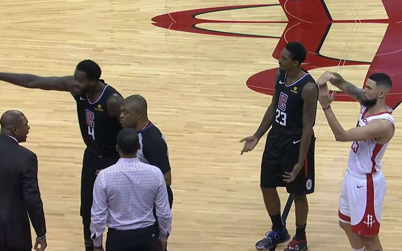 NBA'de Austin Rivers babası için teknik faul istedi oyundan attırdı