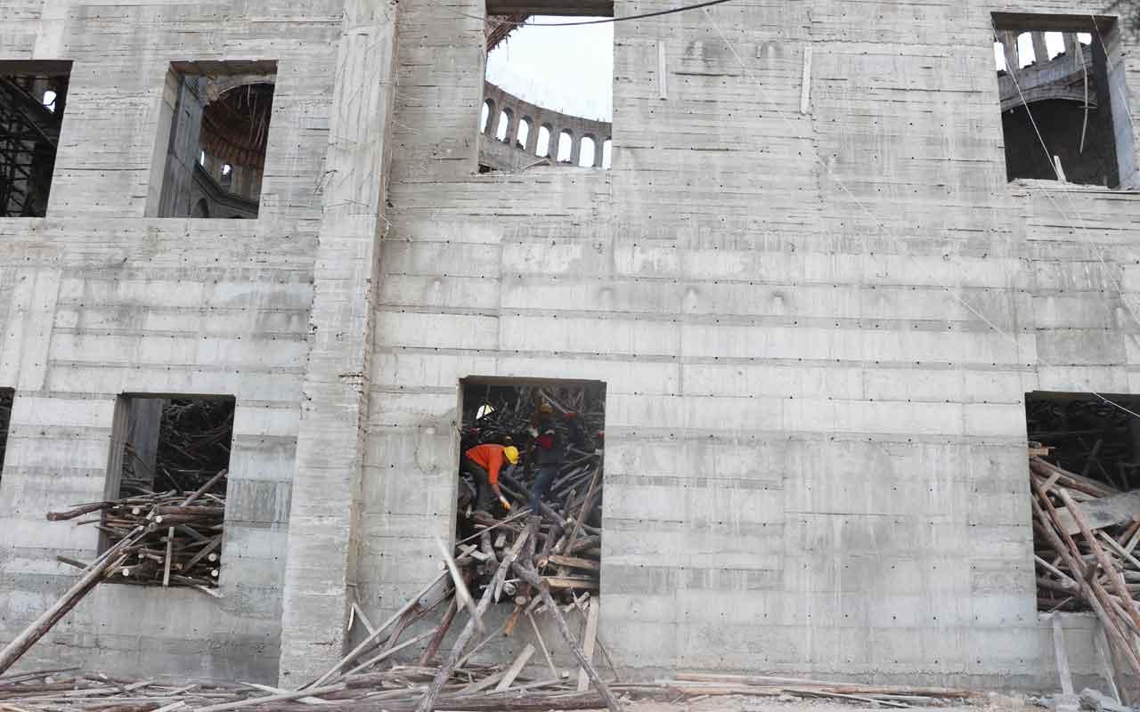 Gaziantep'te Türkiye'nin en büyük 2. camisinin inşaatı çöktü