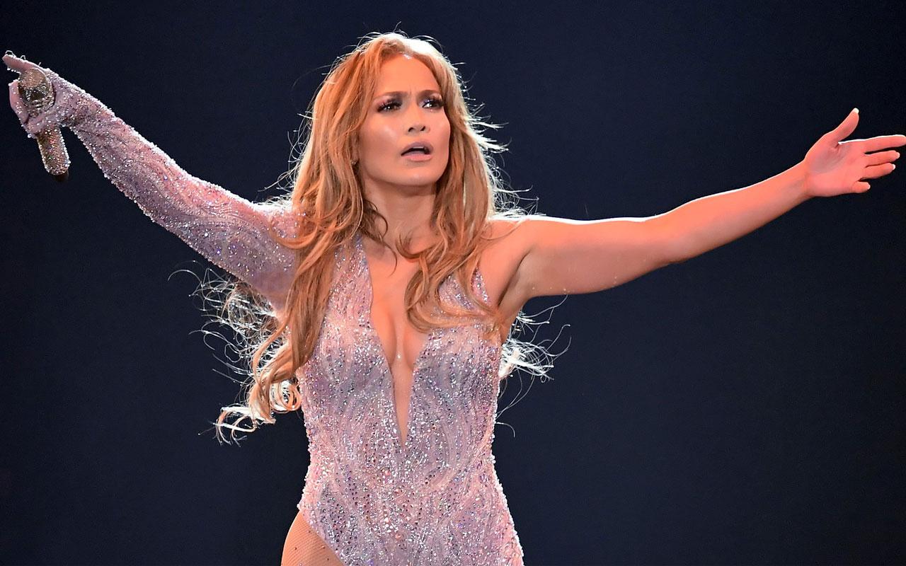 Jennifer Lopez yaşadığı cinsel tacizi itiraf etti! Göğüslerini açmasını istemiş