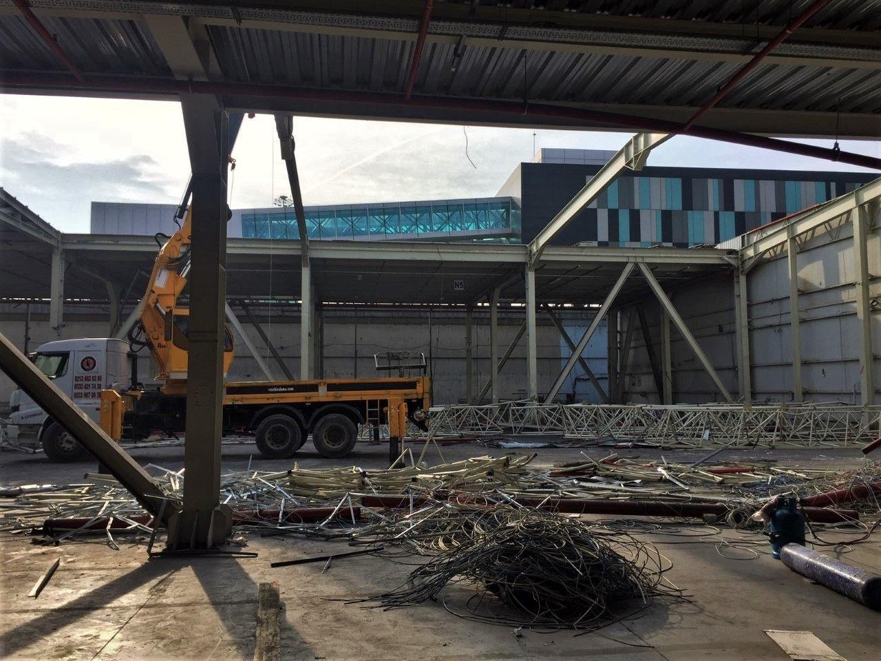 86 yıllık yoculuğun sonu! Atatürk Havalimanı'nda yıkım işlemlerine başlandı