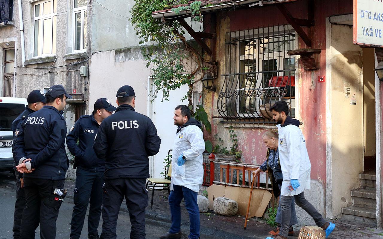 İstanbul Fatih'te emekli başkomiser kızını uyurken öldürdü