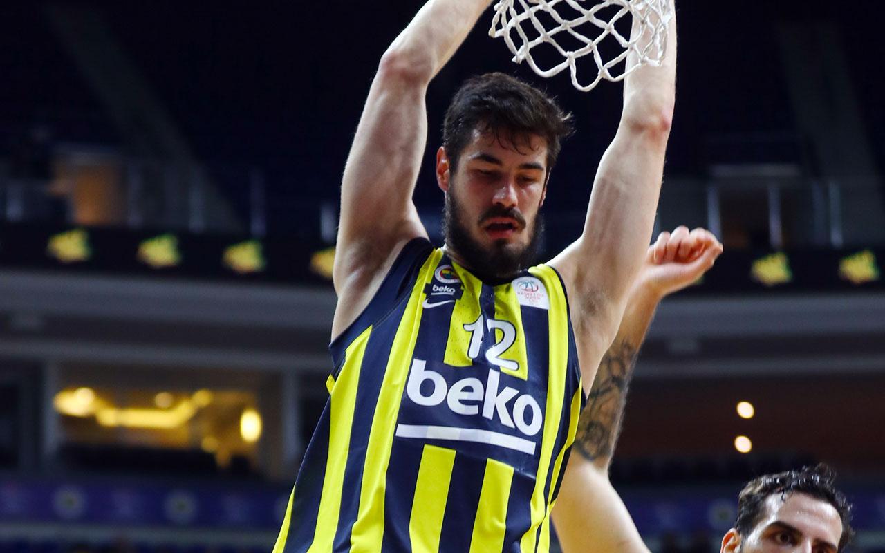 Fenerbahçe Beko'da Kalinic'in burnunda kırık tespit edildi