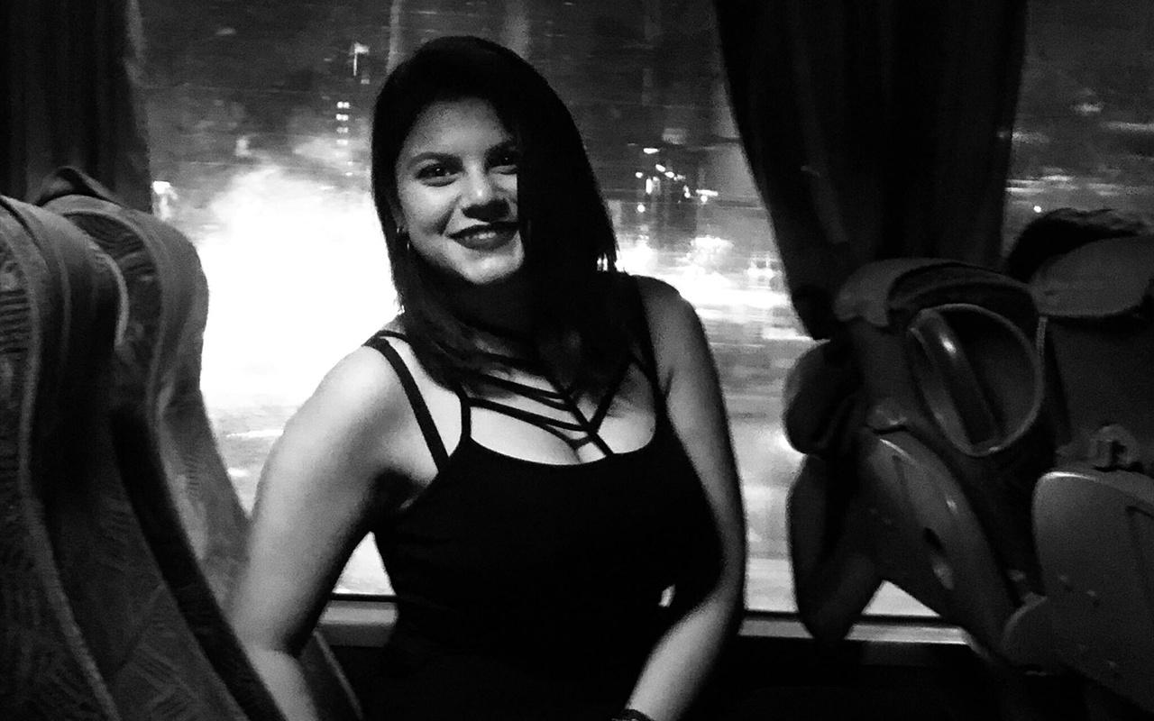 İzmir'de üniversiteli Dilan trenin önüne atlayarak yaşamına son verdi