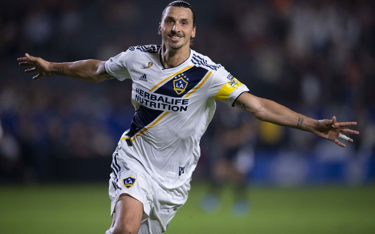 Zlatan Ibrahimovic'ten şaşırtan imza