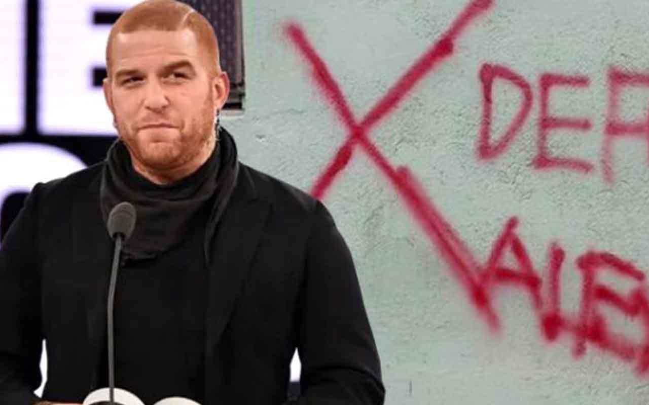 Gökhan Özoğuz'dan Alevi ailenin duvarına 'Defol' yazılmasına tepki