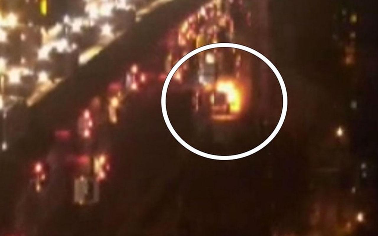İstanbul'da servis aracı hareket halindeyken yandı!