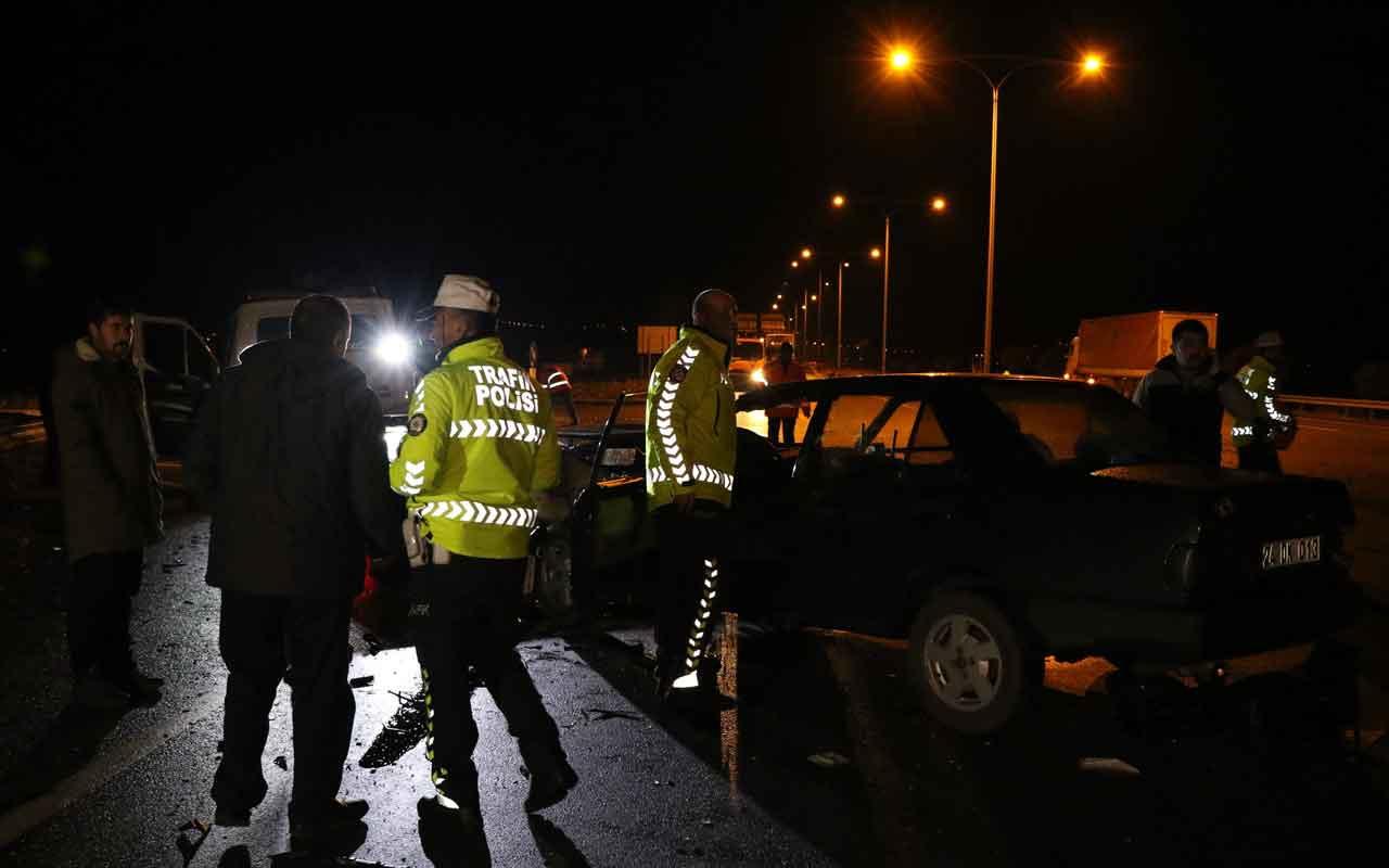 Erzincan'da iki otomobil çarpıştı: 1 ölü, 2 yaralı