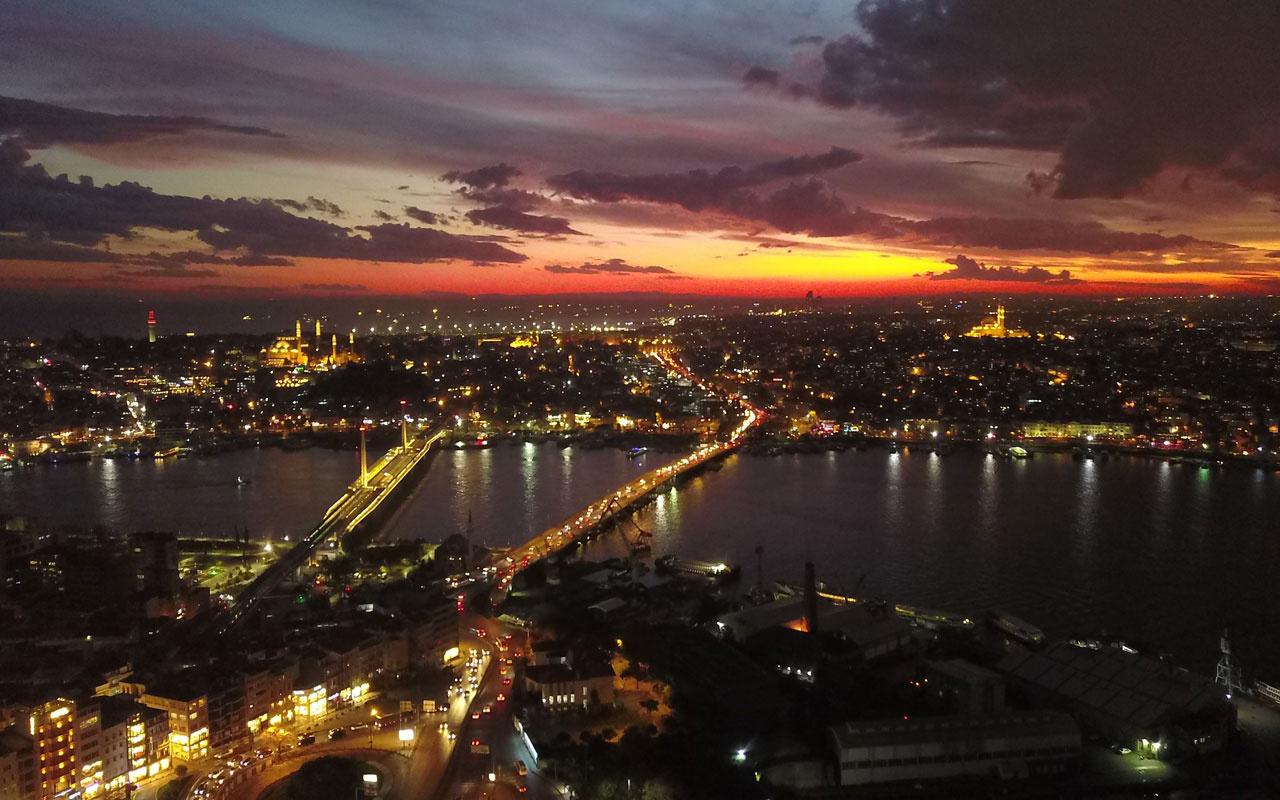 İstanbul'da eşsiz gün batımı manzarası havadan görüntülendi