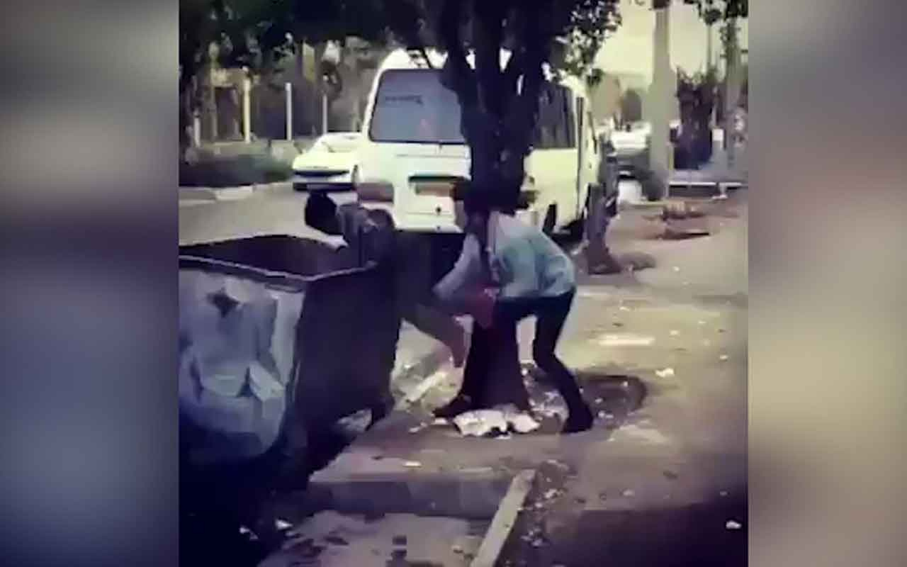 Şosyal medyada olay olan görüntüler! Küçük çocuğu şaka diyerek çöpe attılar!