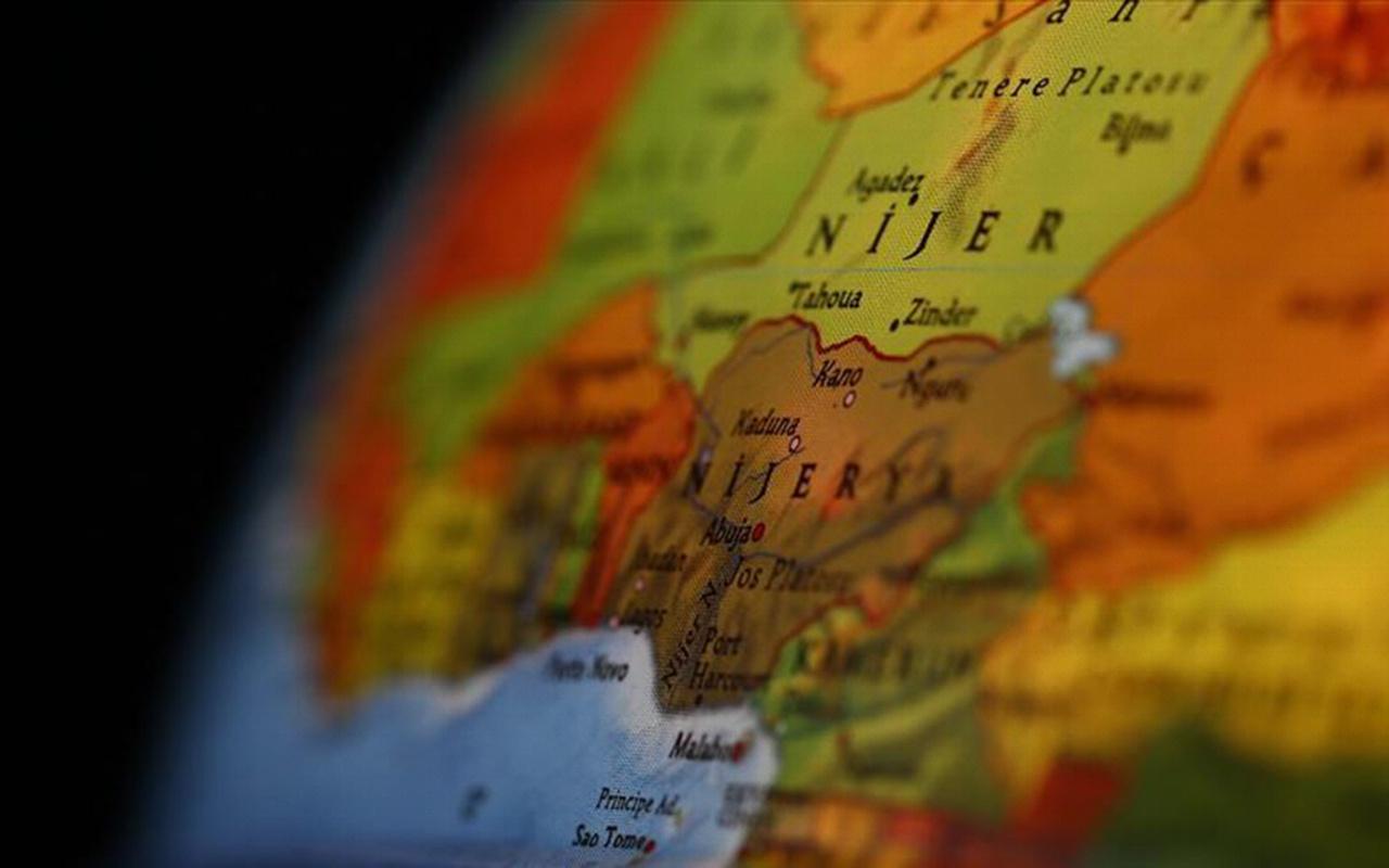 Nijerya açıklarında petrol tankerinden biri Türk 19 mürettebat kaçırıldı