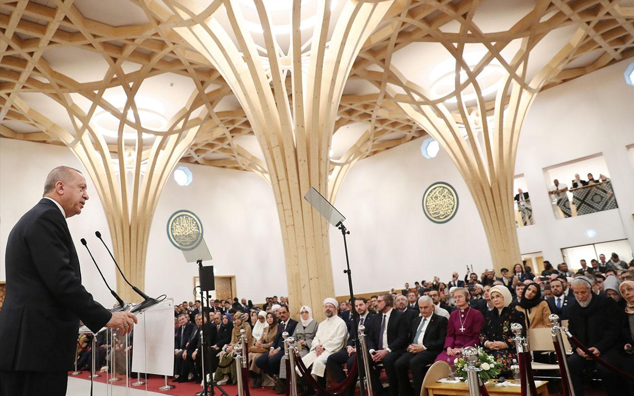 Cumhurbaşkanı Erdoğan'dan Cambridge Camisi'nde Kur'an-ı Kerim tilaveti