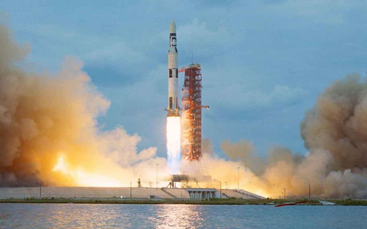 NASA şartını gerçekleştirene Satürn roketini verecek