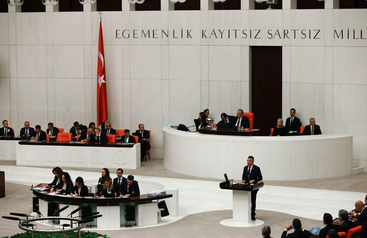 Devlet Bahçeli TBMM'de HDP'li Pervin Buldan ve Sezai Temelli'yle tokalaştı