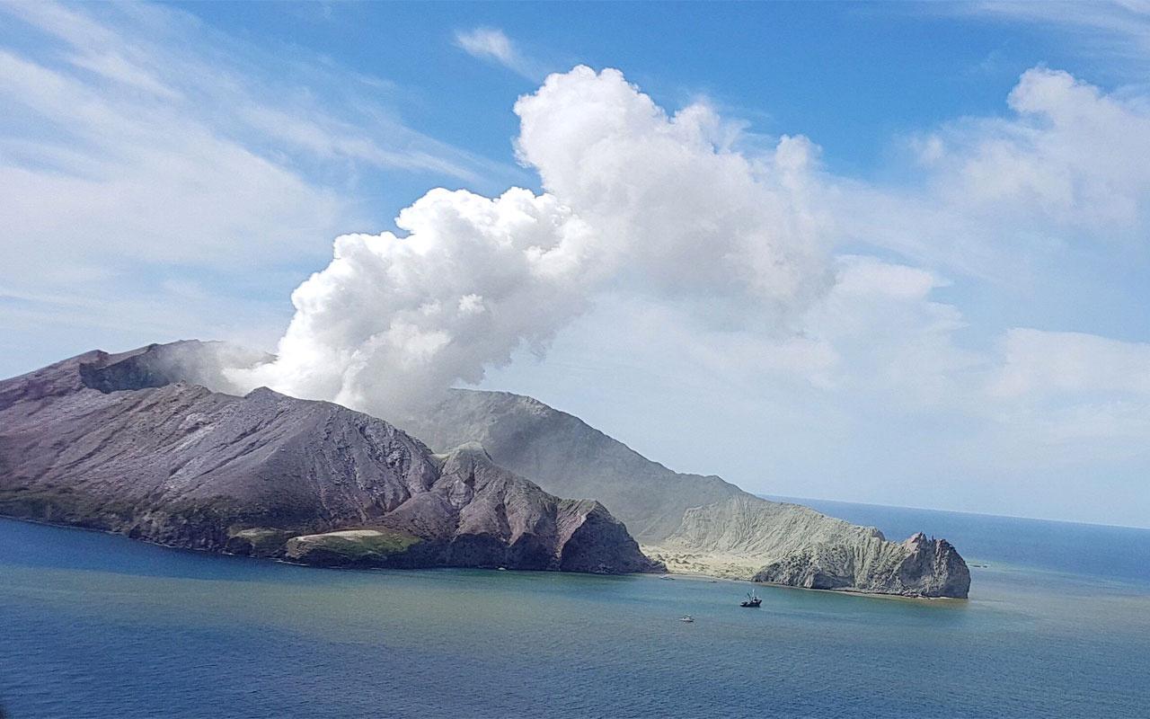 Yanardağın patladığı Beyaz Ada'da yaşam belirtisi kalmadı