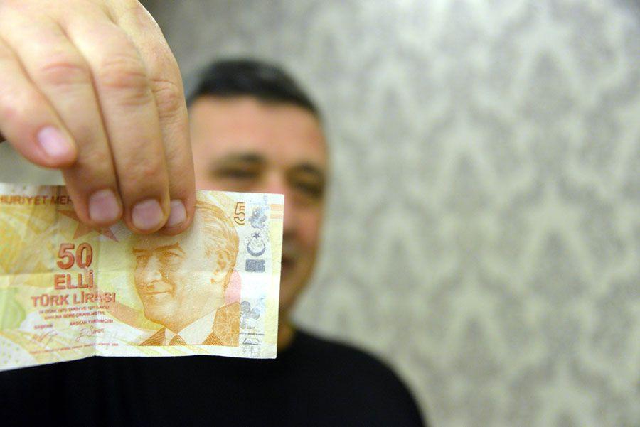 Türkiye'de bu paraya sahip bir kişi var 50 lirayı 50 bin liraya satıyor