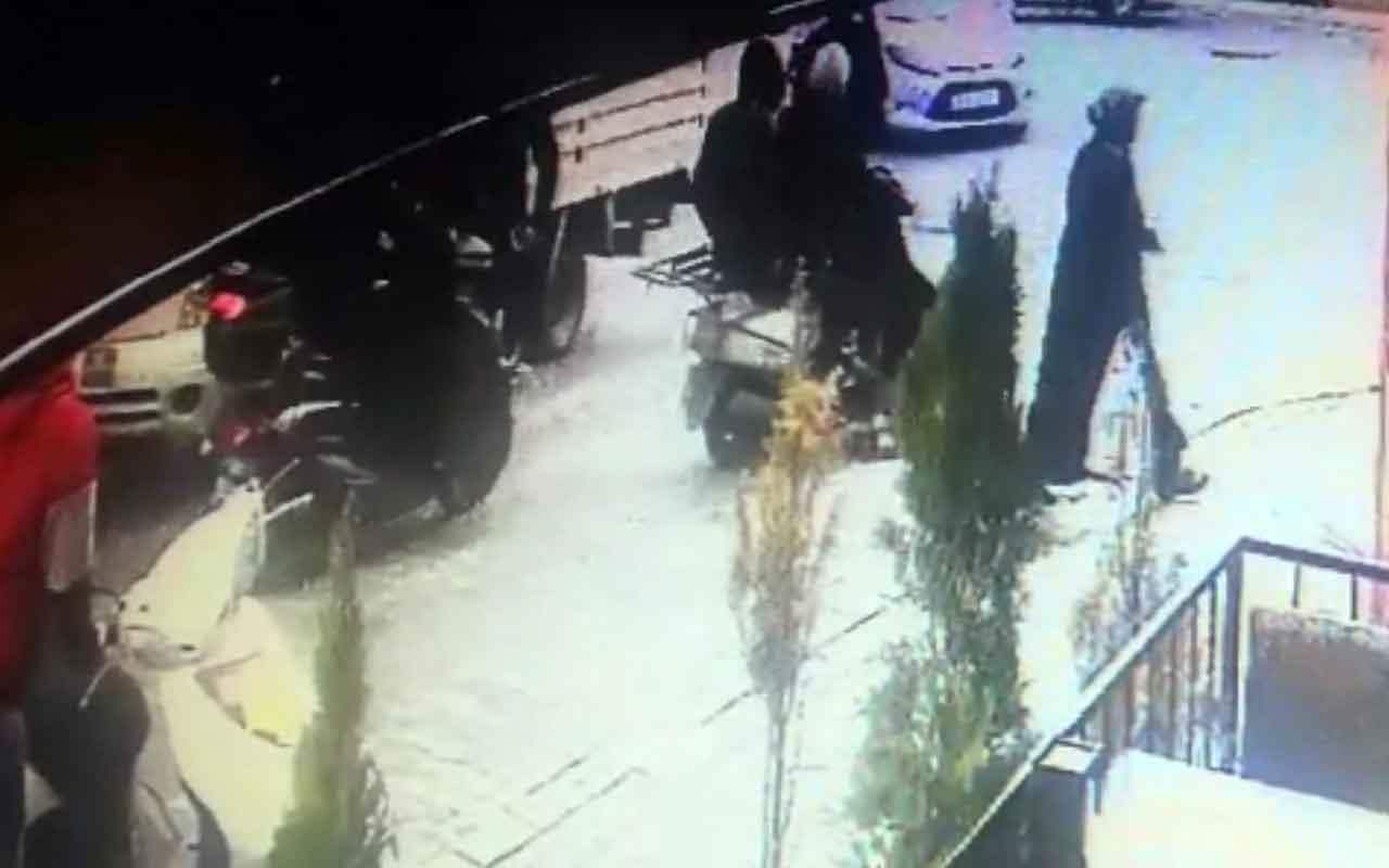 Esenyurt'ta vatandaşların kovaladığı hırsızlar motosikleti bırakıp kaçtı