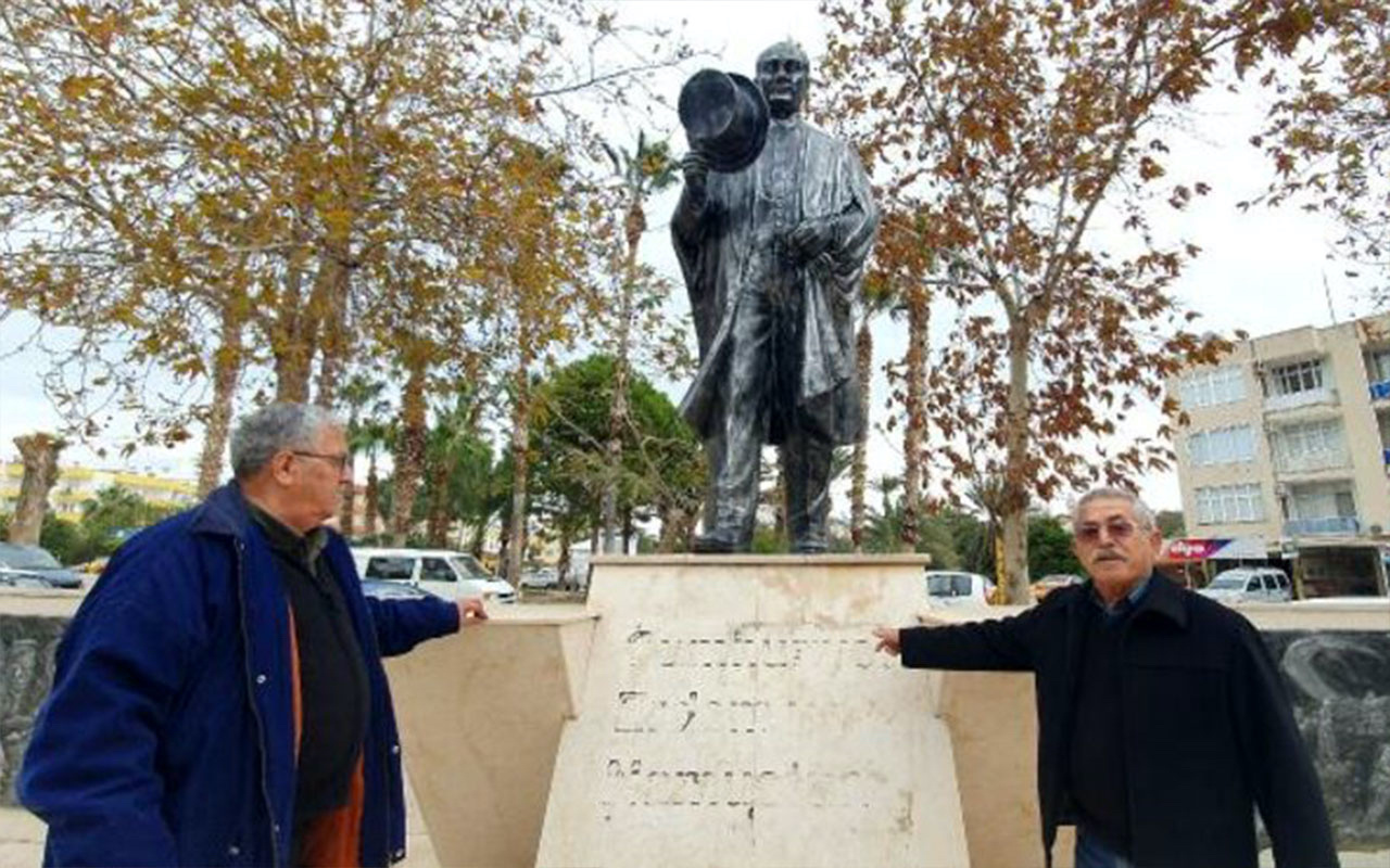 Olay yeri Mersin! Atatürk Anıtı'na saldırı: Sözü ve imzasını kazıdılar