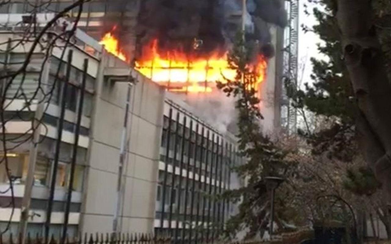 DSİ Genel Müdürlüğü binasında büyük çaplı yangın çıktı