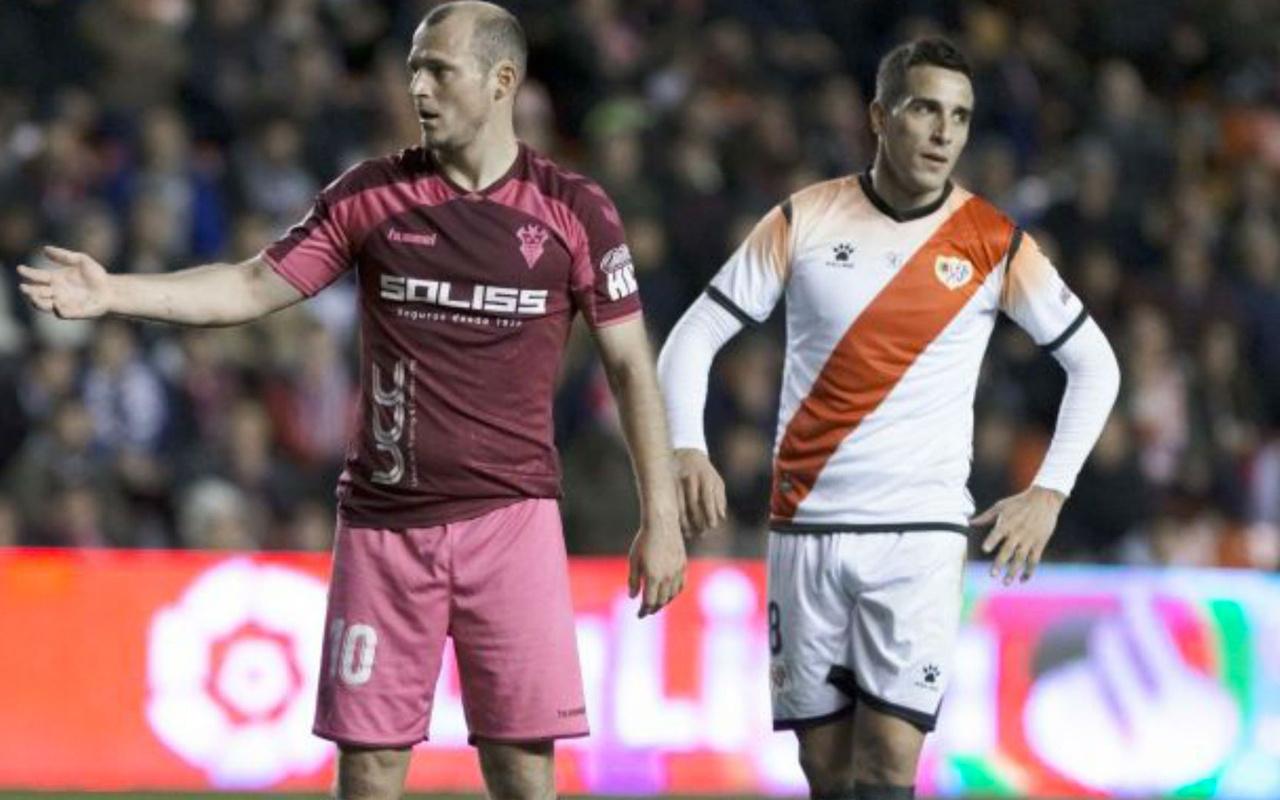 İspanya'da futbol maçı ırkçı tezahürattan dolayı yarıda kesildi