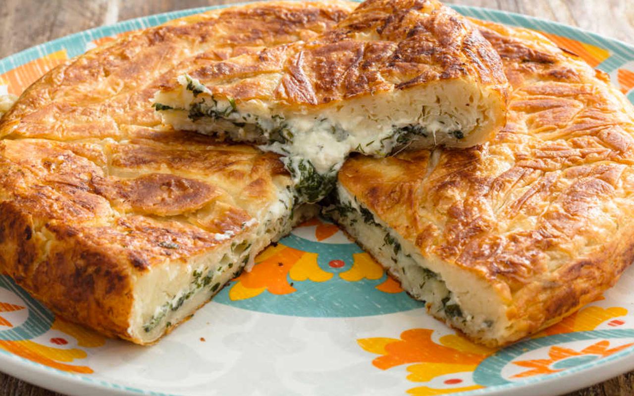 Tavada börek nasıl yapılır diyenlere peynirli tava böreği tarifi