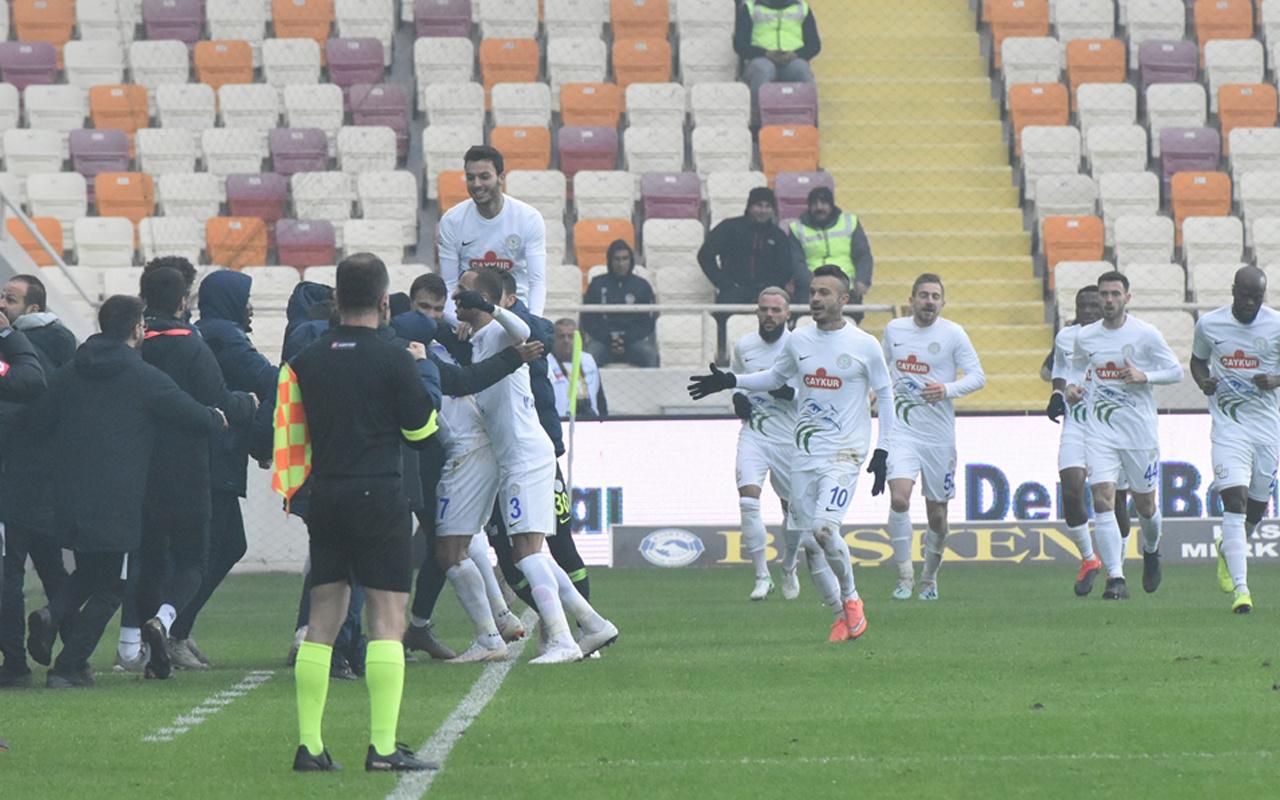Çaykur Rizespor, deplasmanda BtcTurk Yeni Malatyaspor'u 2-0 yendi