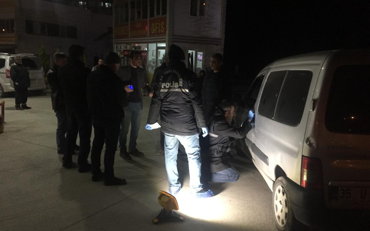 İYİ Parti Uşak ilçe başkanı Hakan Savaş'a tüfekli saldırı trafikte dehşeti yaşattılar
