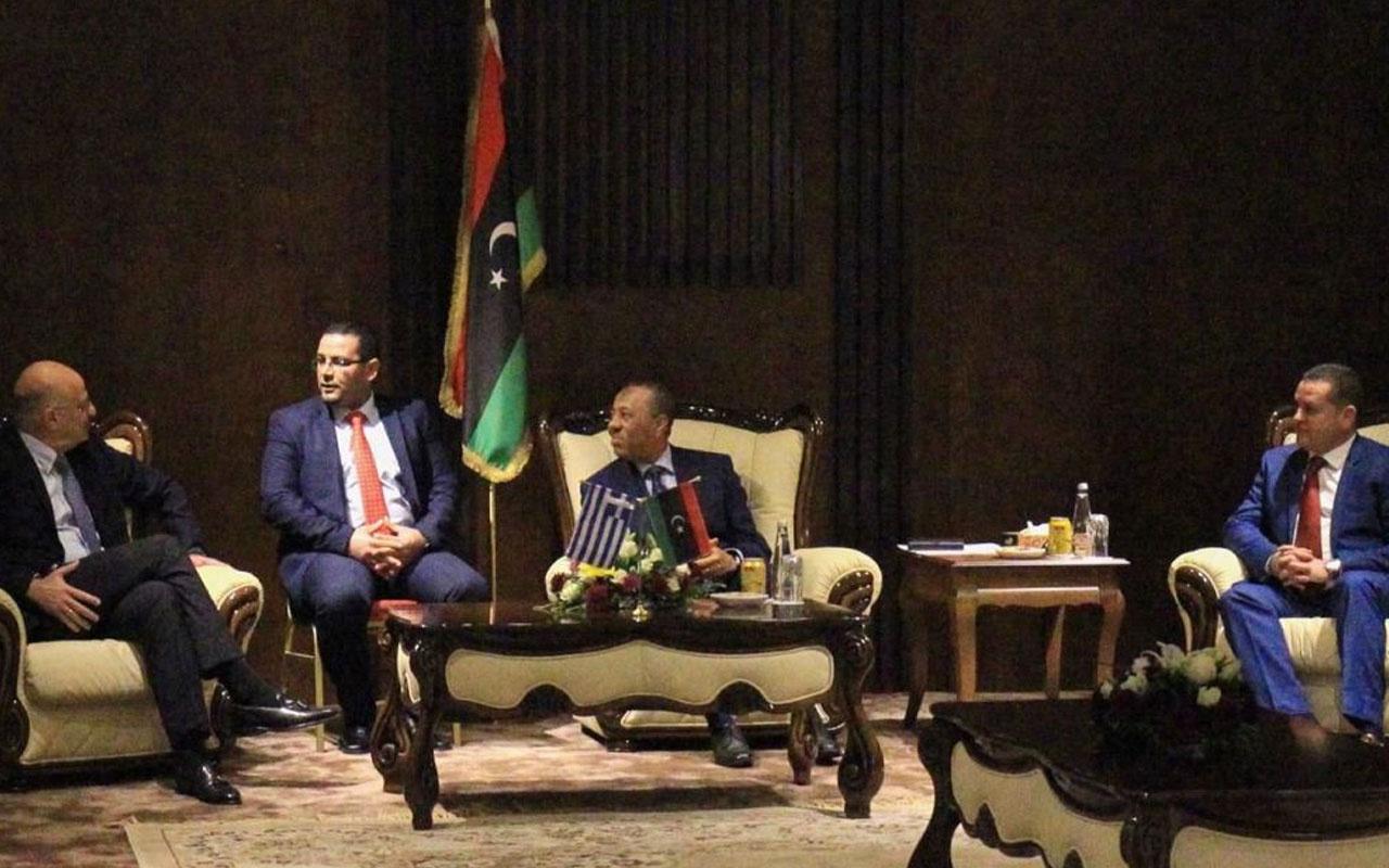 Yunanistan Dışişleri Bakanı Dendias Libya'daki sözde yönetimle görüştü